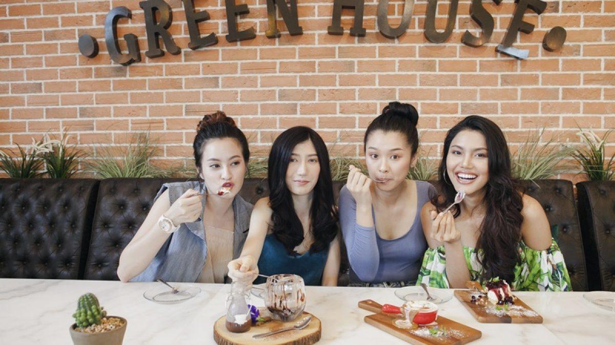 """สาวๆชวนมานั่งชิลกับร้านบรรยากาศดีๆที่ """"Green House Bistro"""""""