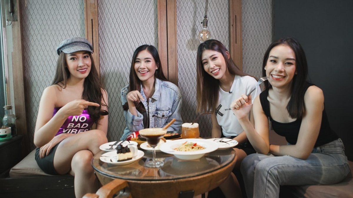 4 สาวCampus star ชวนนั่งร้านคาเฟ่สุดชิคย่านราชเทวี