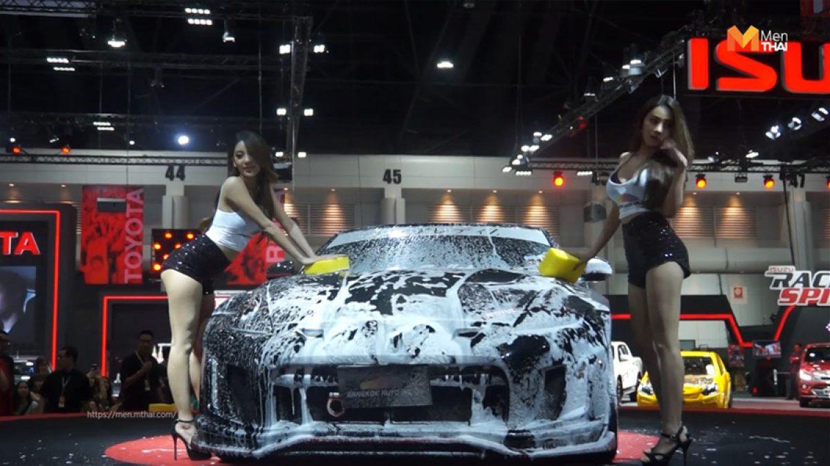 สาวล้างรถ Auto Salon 2019 ลีลาสุดเดือดของ Race Queen Thailand ควงคู่ Race Queen Japan