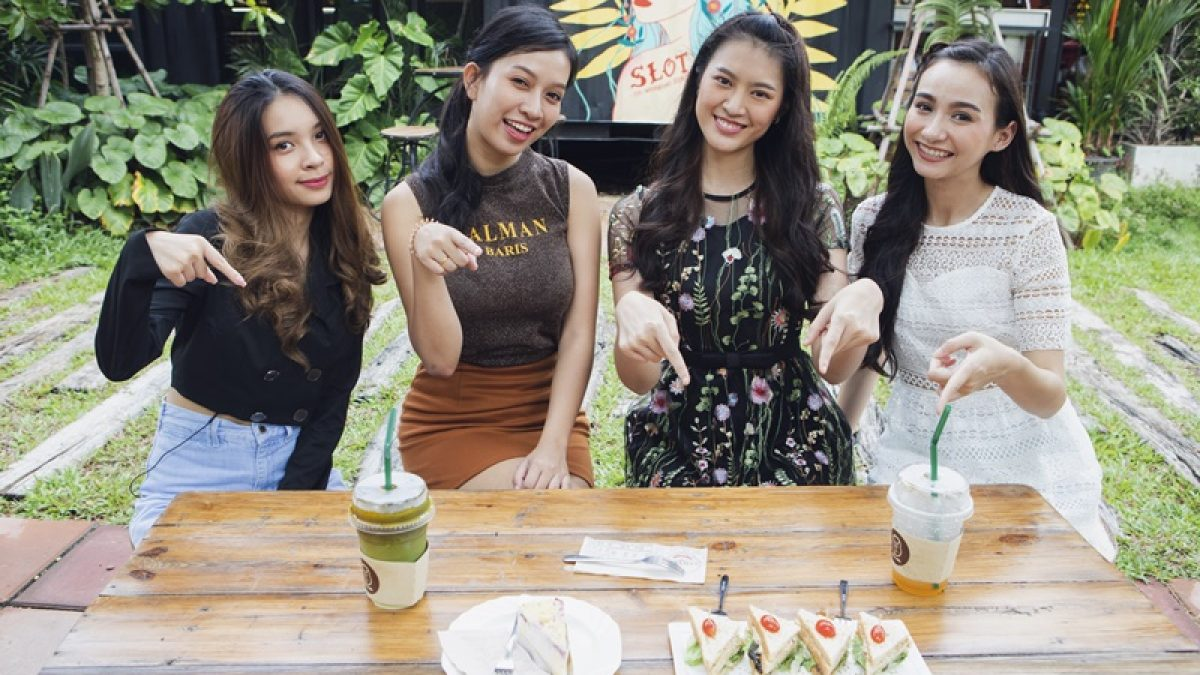 "ร้านนี้เลยที่สาวๆ Campus star แนะนำย่านปากเกร็ด ""Slot Co-Working Space & Cafe"""